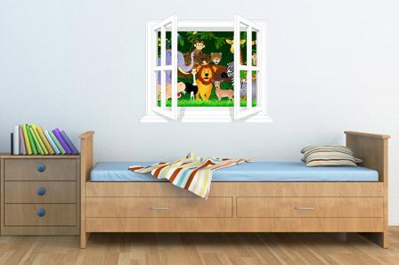 Radovedne živali ob oknu-0