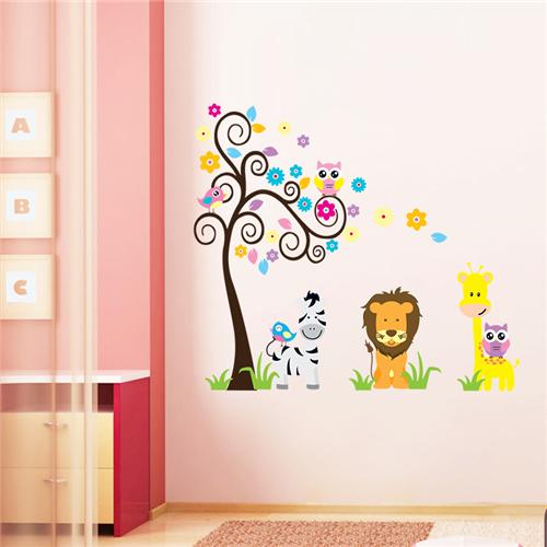 Barvito drevo, levček, žirafa in zebra-541