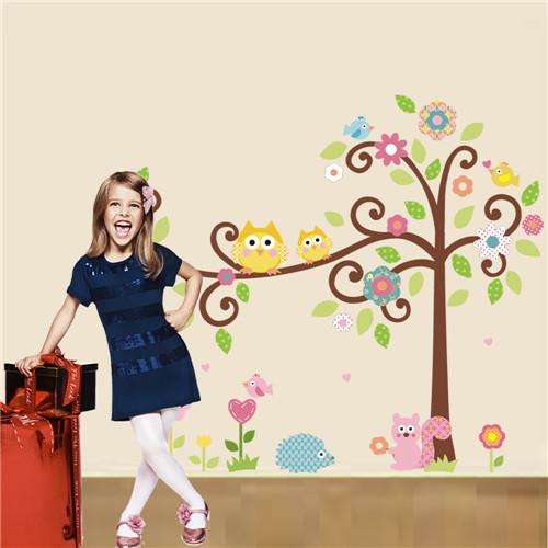 Cvetoče gozdno drevo - rumeni sovici-420