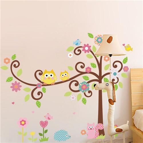 Cvetoče gozdno drevo - rumeni sovici-421