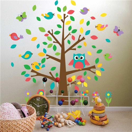 Gozdno drevo, sovica, ptički in metuljčki-452