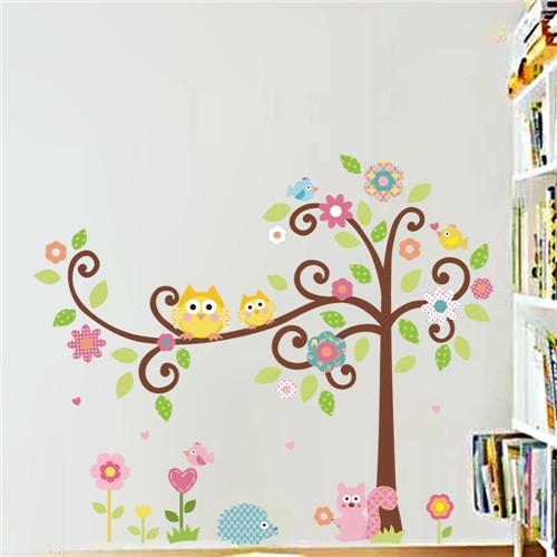 Cvetoče gozdno drevo - rumeni sovici-423